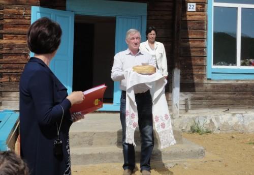 Состоялось торжественное открытие клуба досуга в селе Мостовка Красночикойского района