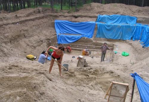 Археолог попросил краевую прокуратуру отменить решение о сносе лагеря на Усть-Мензе
