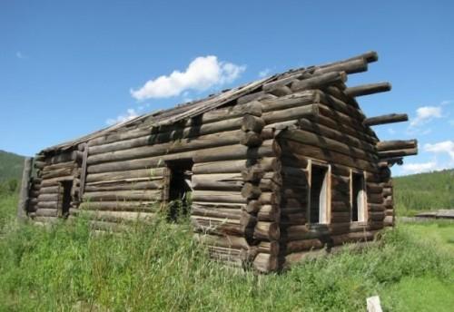 Дом в одной из Чикойских деревень