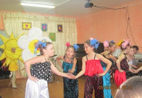 5 марта в Красночикойской детской школе искусств состоялся праздник посвященный дню 8 Марта